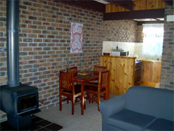 Warrawee Holiday Units - Accommodation 4U