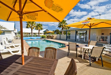 Torquay Tropicana Motel - Accommodation 4U