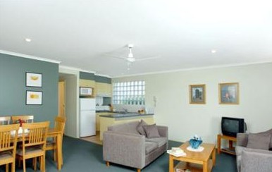 Beaches Holiday Resort - Accommodation 4U