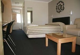 Queensgate Motel - Accommodation 4U