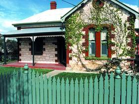 Naracoorte Cottages - Smith Street Villa - Accommodation 4U