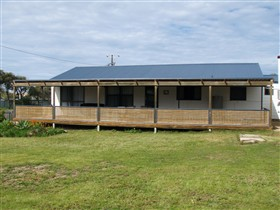 Surfin Sceales Beach House - Accommodation 4U