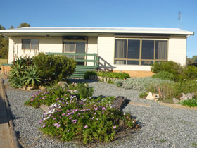Oaklands Beach House - Accommodation 4U