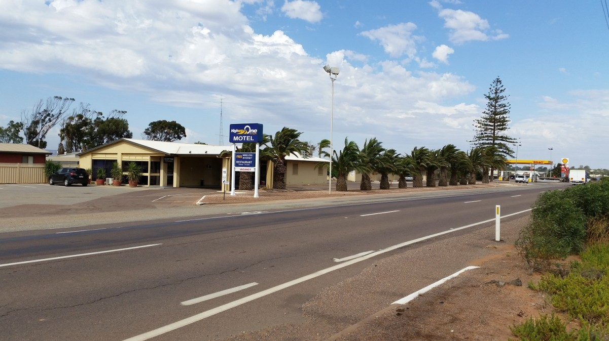 Highway One Motel Port Augusta - Accommodation 4U