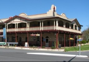The Royal Hotel Adelong - Accommodation 4U