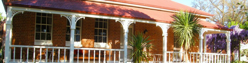 Araluen Old Courthouse Bed and Breakfast - Accommodation 4U
