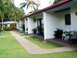 Sunlover Lodge Holiday Units and Cabins - Accommodation 4U