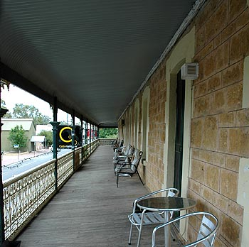 Hotel Mannum - Accommodation 4U