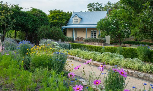 Vineyard Cottages and Cafe - Accommodation 4U