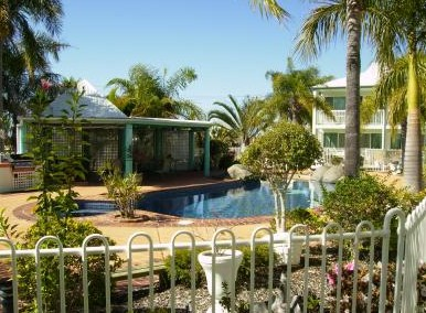 Reef Adventureland Motor Inn - Accommodation 4U
