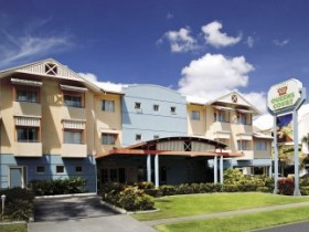 Cairns Queens Court Accommodation - Accommodation 4U
