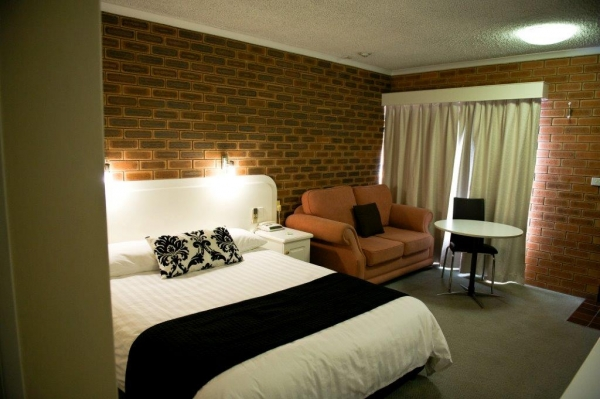 Cousins Motor Inn - Accommodation 4U
