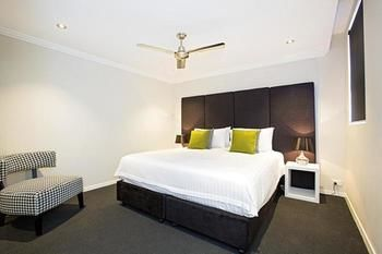 Astina Serviced Apartments - Parkside - Accommodation 4U