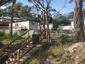 Coningham Beach Holiday Cabins - Accommodation 4U