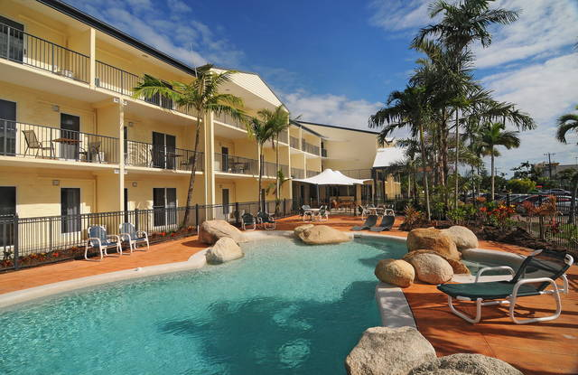 Cairns Queenslander Hotel  Apartments - Accommodation 4U