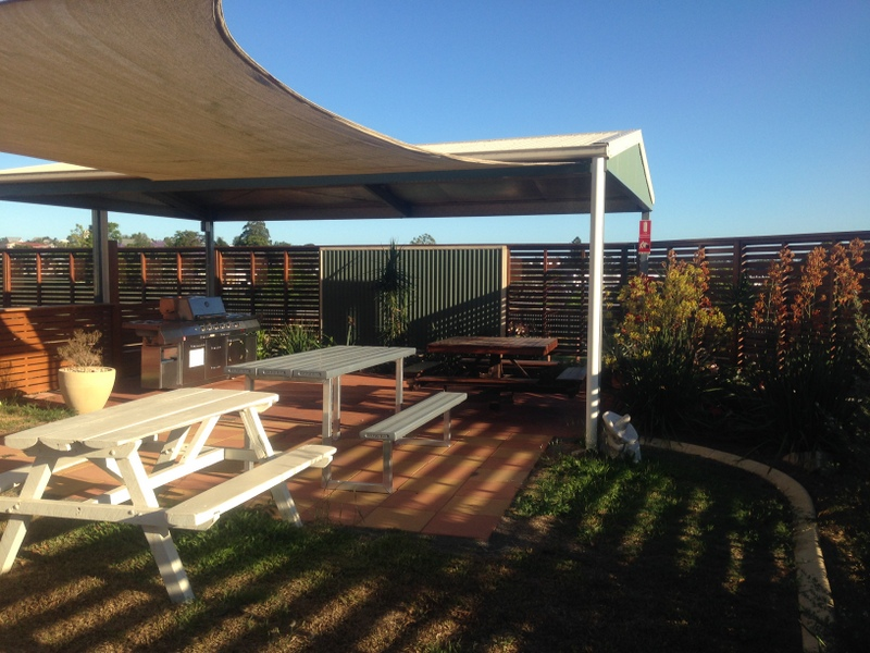 Gympie Caravan Park - Queens Park - Accommodation 4U