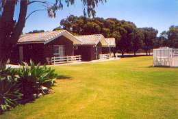 Highview Holiday Village Caravan Park - Accommodation 4U