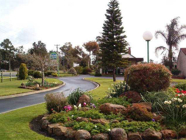 Mount Barker Valley Views Motel and Chalets - Accommodation 4U