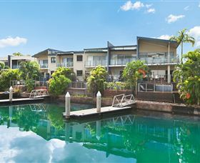 Bay View Luxury Waterfront Villa - Accommodation 4U