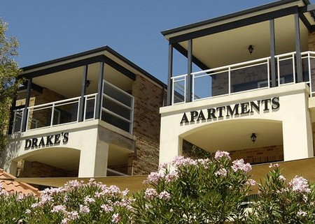 Drakes Apartments with Cars - Accommodation 4U