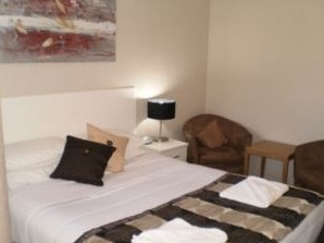 Country Leisure Motor Inn - Accommodation 4U