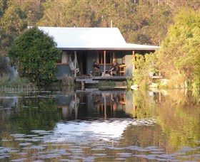 Barney Creek Vineyard Cottages - Accommodation 4U