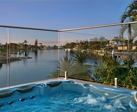 Sanctuary on Water Elite Holiday Home - Accommodation 4U