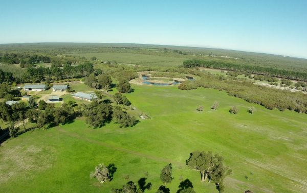 Sandy Lake Farm Stay Accommodation Gingin WA - Accommodation 4U