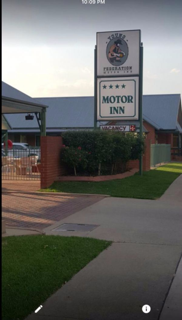 Federation Motor Inn Young - Accommodation 4U