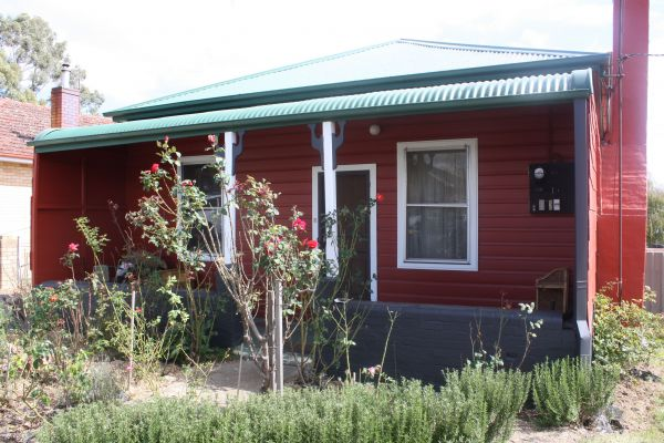 The Red House - Accommodation 4U