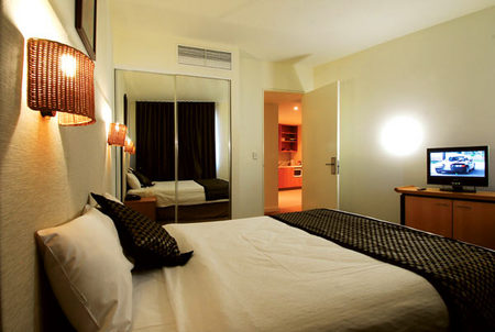 Golden Pebble Hotel - Accommodation 4U