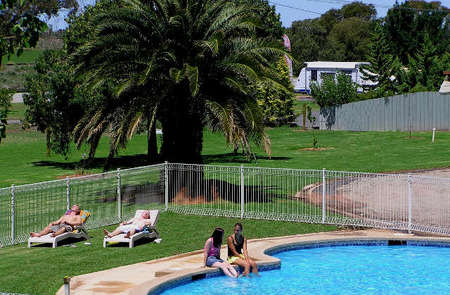 Swan Hill Holiday Park - Accommodation 4U