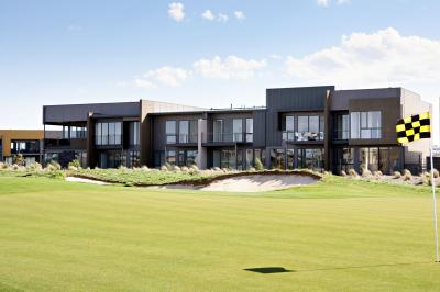 Golf Retreats Torquay - Accommodation 4U