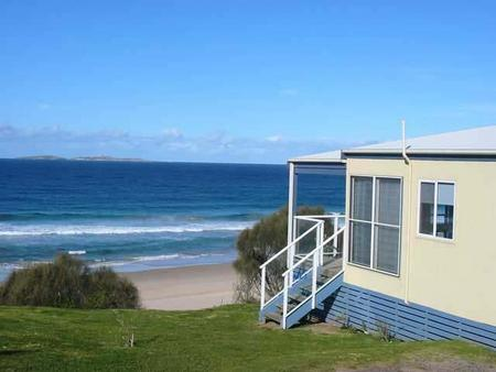 Surfbeach Holiday Park - Accommodation 4U