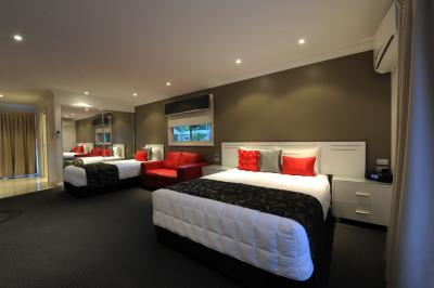 The Gateway Village Holiday Park - Accommodation 4U